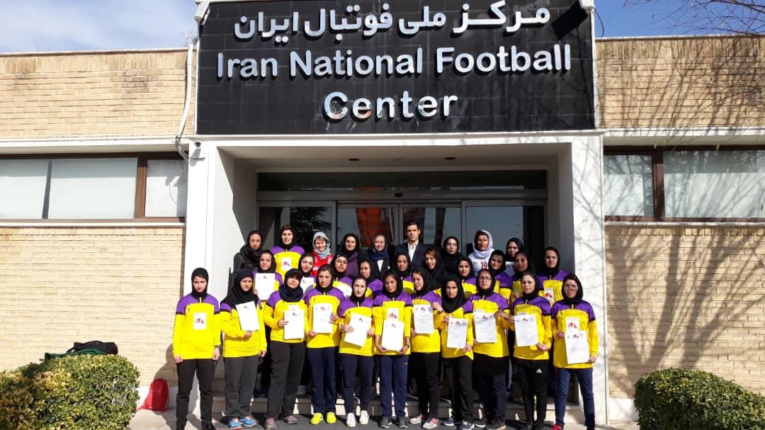مراسم اختتامیه کلاس مربیان فوتبال پایه با مدرسی نروژی ها و با حضور سرپرست دبیرکلی فدراسیون