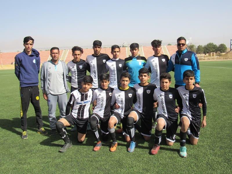 گزارش تصویری مسابقه دوستانه بین تیم نونهالان زیر 15 سال شاهین کرمان و تیم زیر 17 سال سرخپوشان زرند