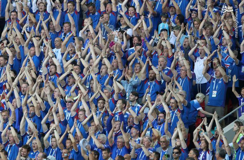 تشویق ایسلندی بازیکنان رده های سنی باشگاه شاهین در حمایت از تیم بزرگسالان خود