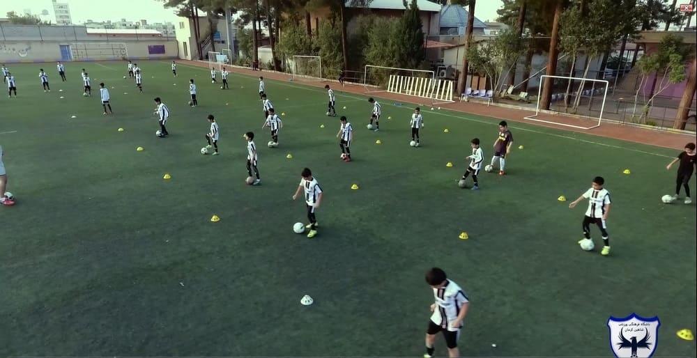 کلیپی زیبا از تمرینات تیم های مختلف باشگاه شاهین کرمان از نماهای مختلف